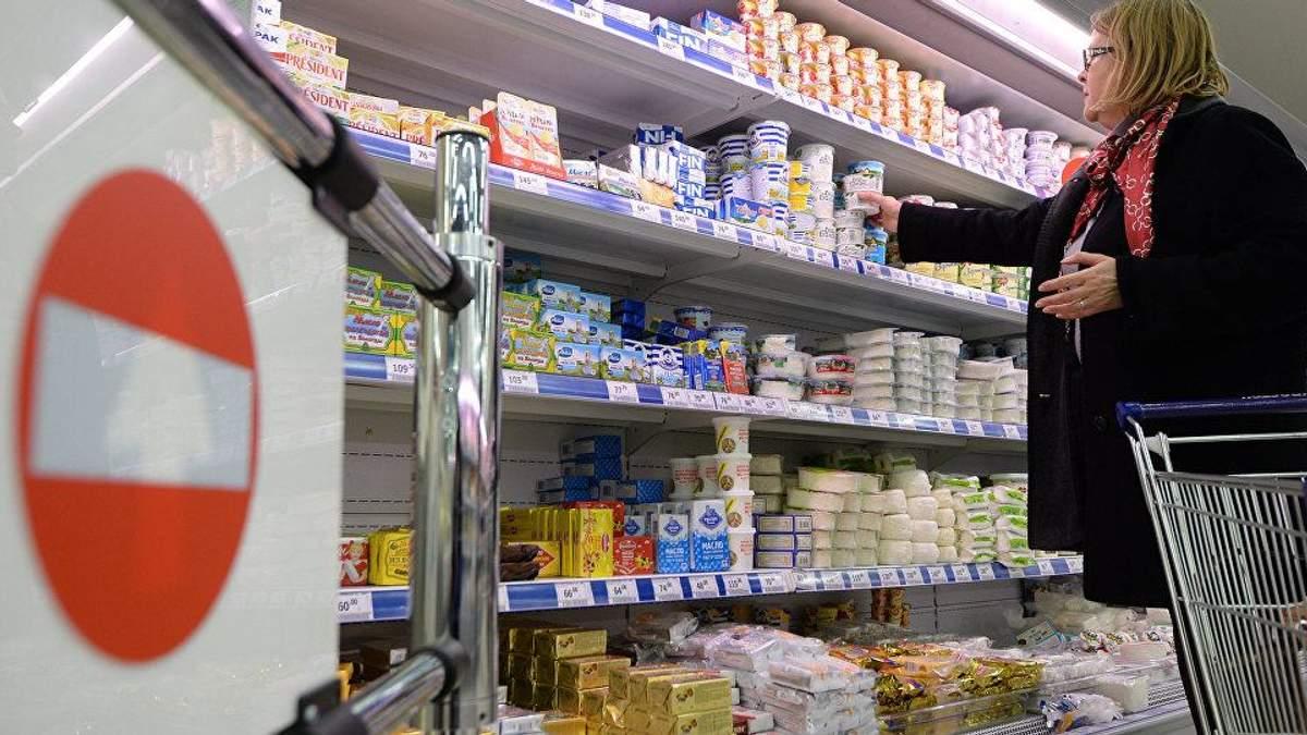 Вчені розвінчали міф про користь йогуртів