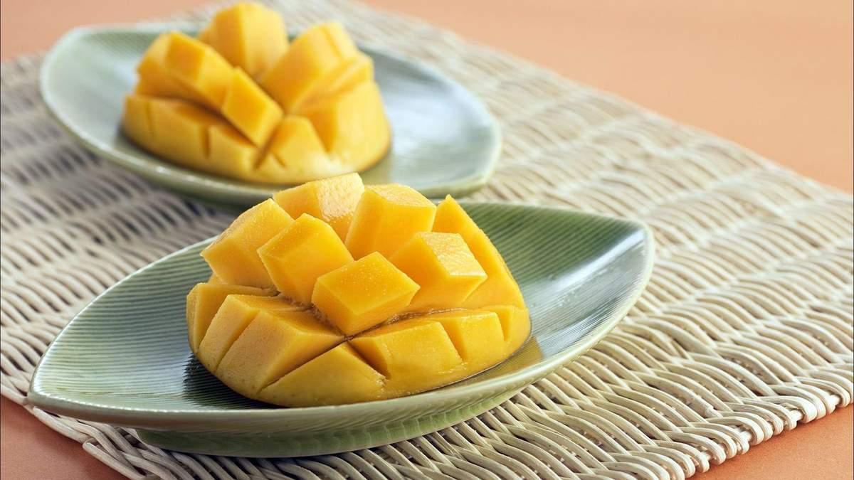 Назвали вкусный фрукт, который защитит кожу от морщин