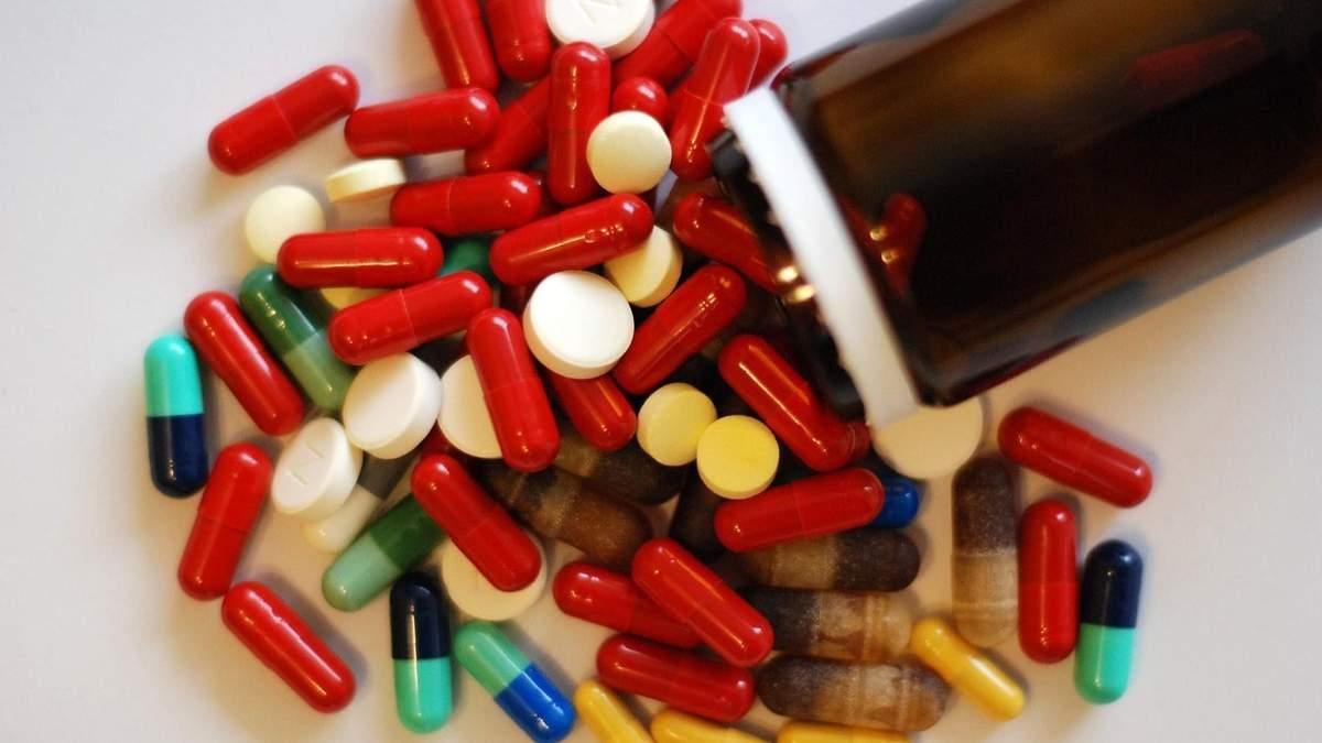 Сколько денег украинцы потратили на неэффективные лекарства