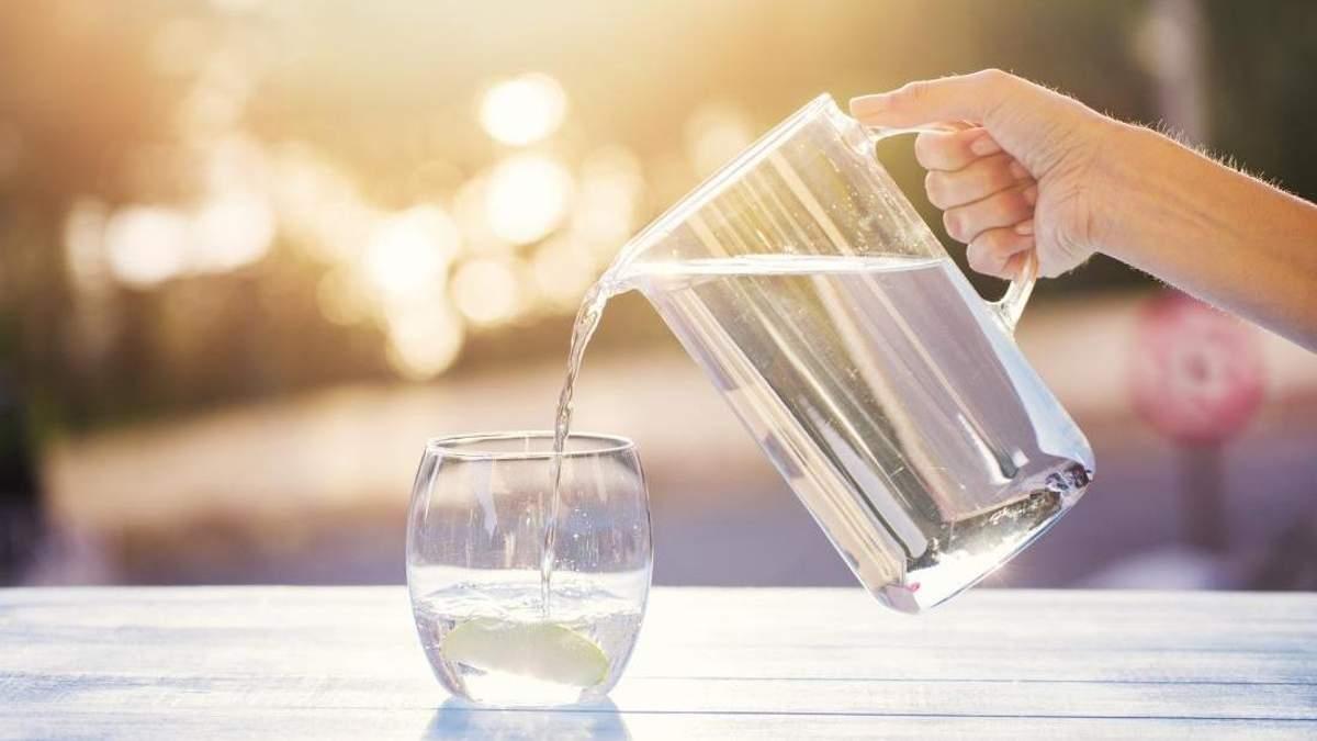 Як вода в організмі впливає на зір