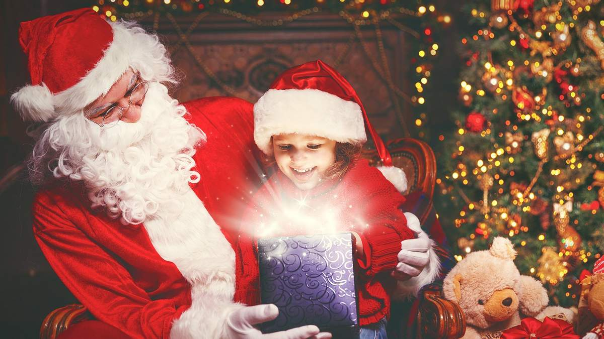 Почему к маленьким детям не стоит приглашать Деда Мороза и Снегурочку