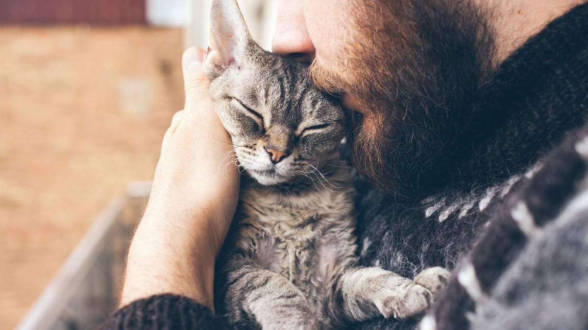 Почему возникает желание крепко обнять милых детей или животных
