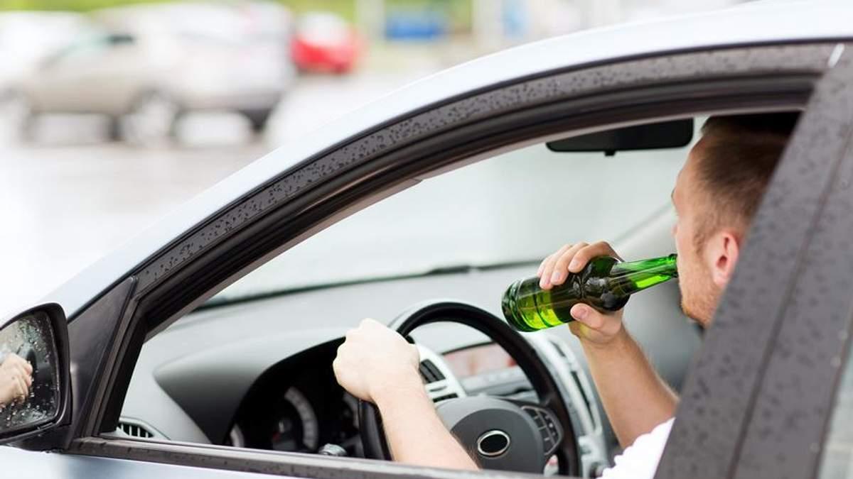 У скільки разів збільшується ризик смерті нетверезих водіїв: дані ВООЗ