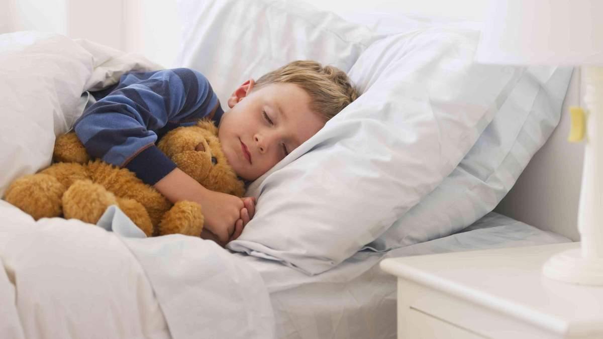 Комаровский рассказал, когда нужно укладывать детей спать