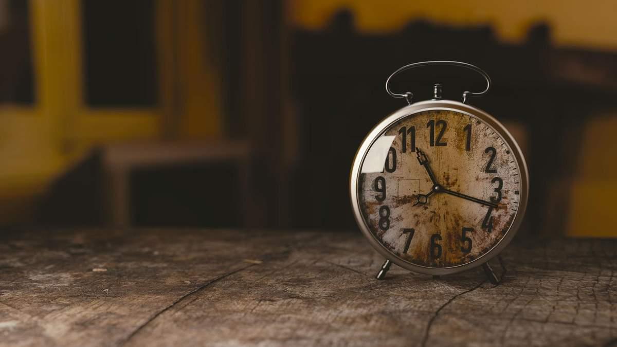 Чому з віком час йде швидше: відповідь вчених