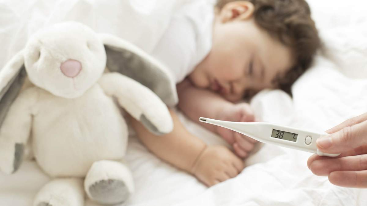 Можно ли охлаждать ребенка, у которого высокая температура