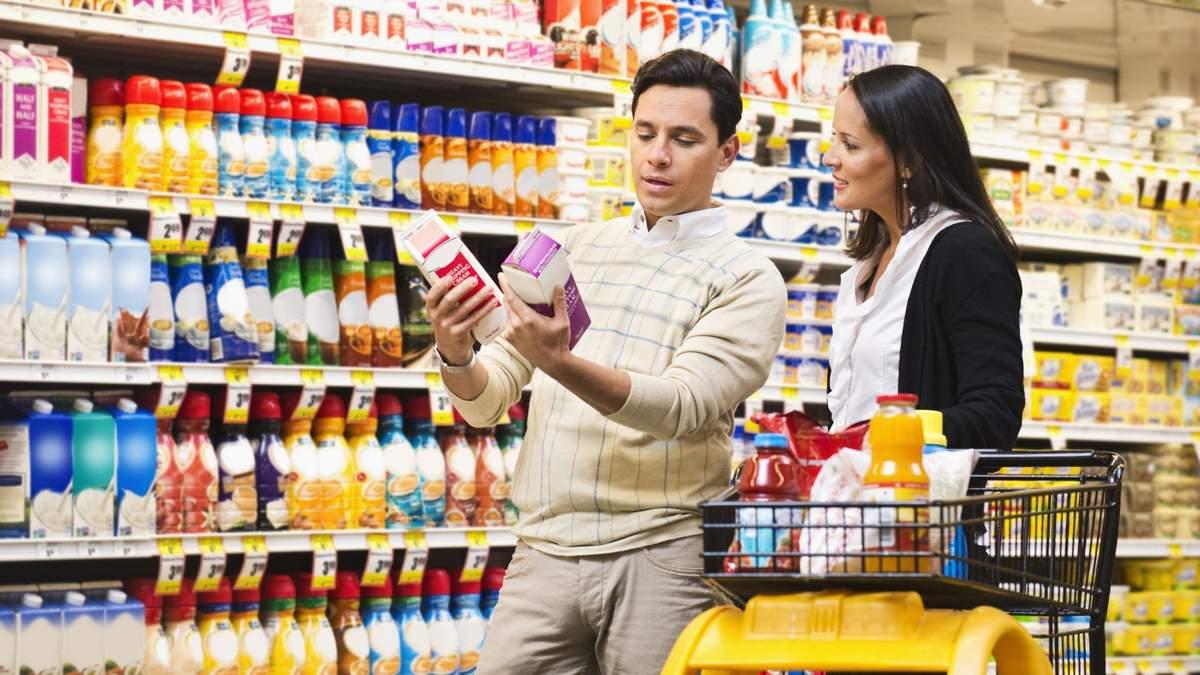 Какие уловки ресторанов и супермаркетов заставляют нас есть и покупать больше