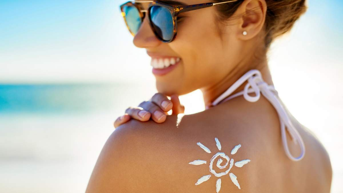П'ять міфів про сонцезахисний крем, у які не варто вірити