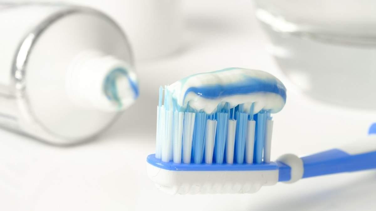 11-річна дівчинка померла після того, як почистила зуби (ілюстрація)