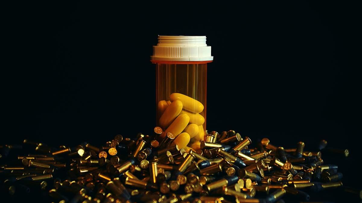 Прийом антибіотиків більше двох місяців підвищує у жінок ризик інфаркту