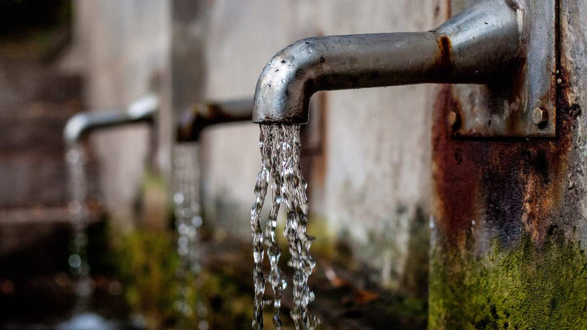 Яку воду потрібно пити щодня