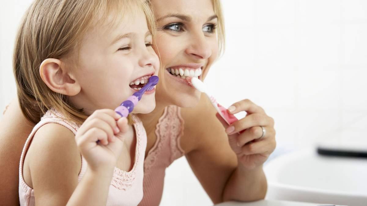 Шість звичок по догляду за шкірою, які потрібно прищепити дітям