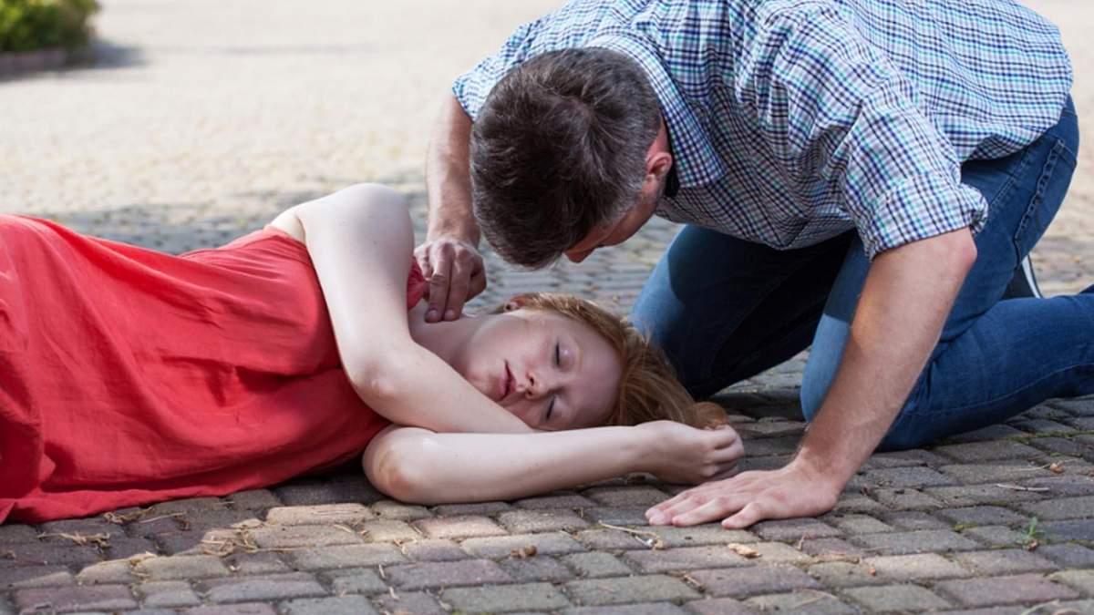 Перша допомога при епілептичному нападі - що робити під час нападу епілепсії