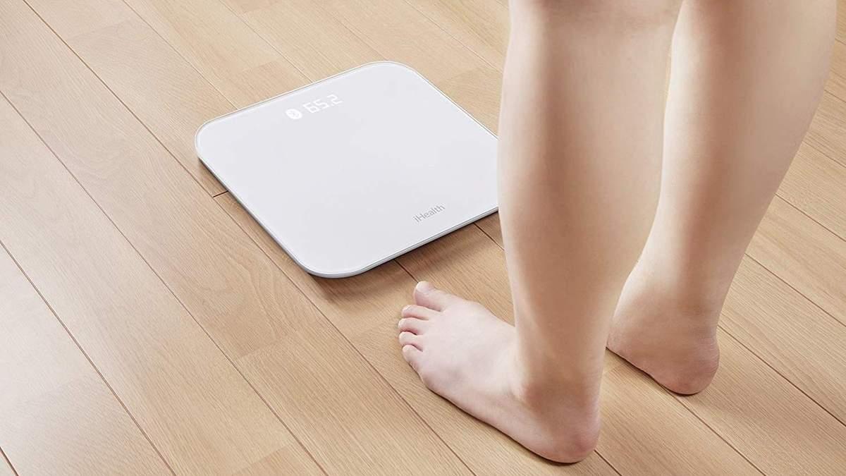 Увеличивается вес и отекает тело перед критическими днями