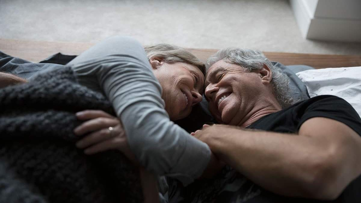 Вчені закликають не відмовлятися від сексу після 50