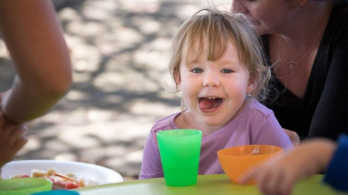 Как нельзя воспитывать ребенка с аутизмом (иллюстрация)