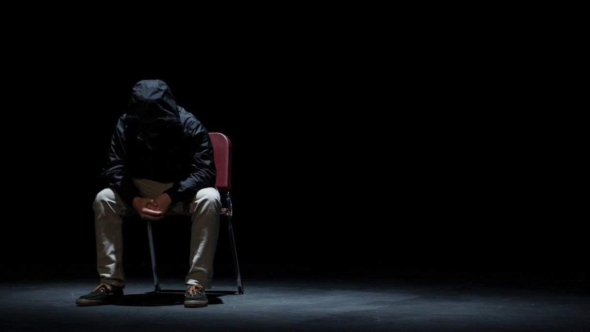 Хто найчастіше скоює самогубства
