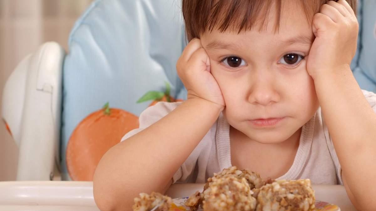 Дети, которые переедают в детстве, склонны болеть анорексией