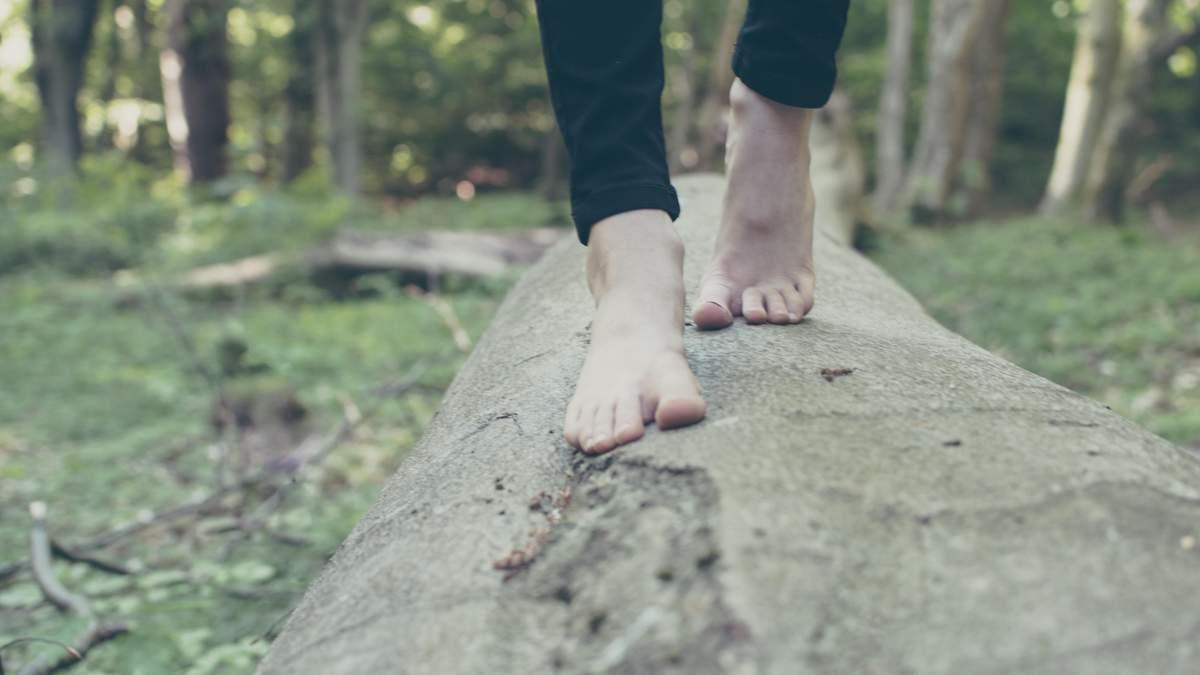 Тріщини на п'ятах - причини виникнення, лікування і профілактика