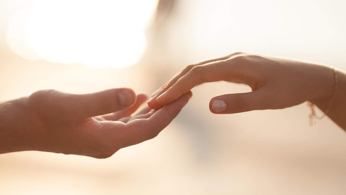 Секс пальцями: яким буває та з чого почати