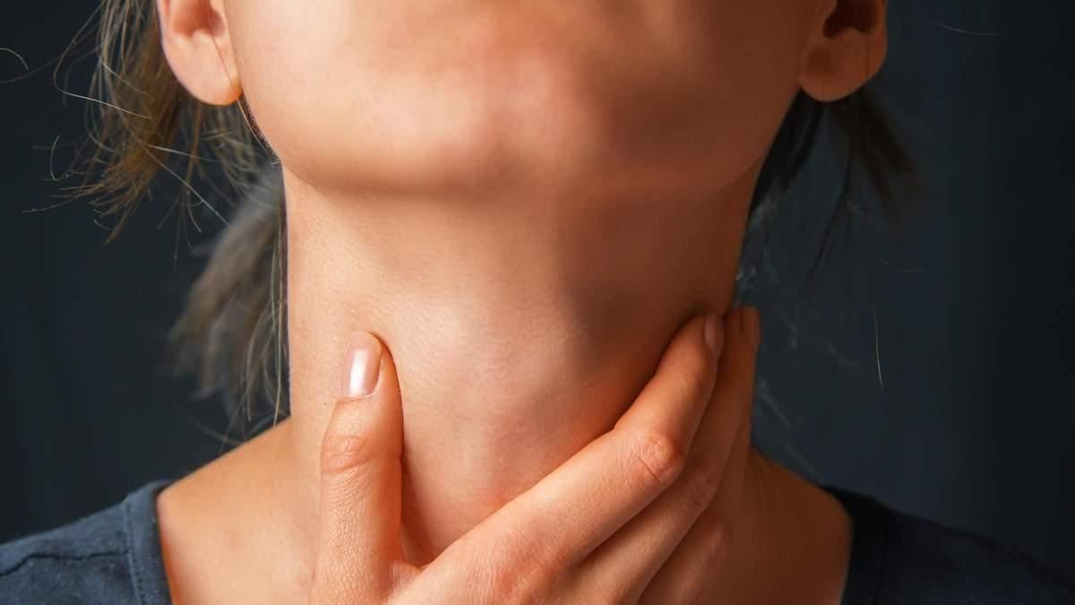 Ком в горлі – що це, причини, симптоми, лікування