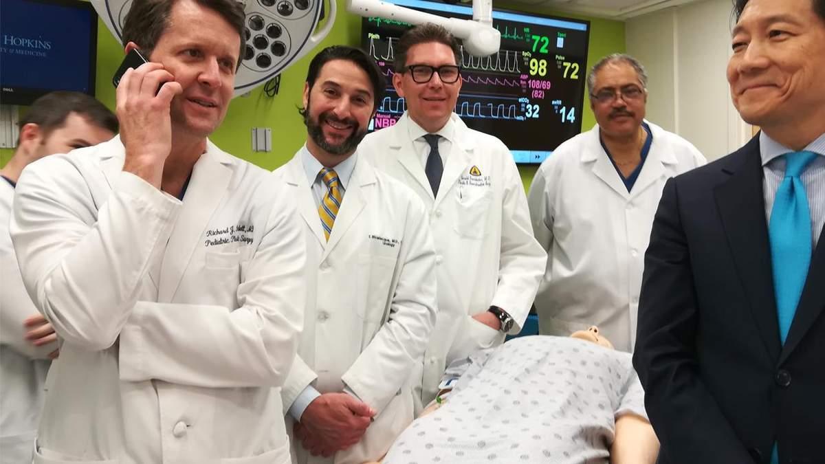 Лікарі, які успішно пересадили пеніс з мошонкою ветерану США