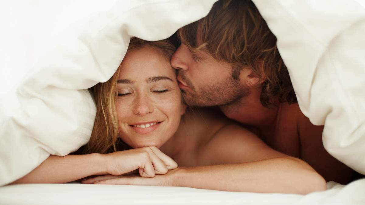 Вибуховий коктейль: як секс впливає на гормони