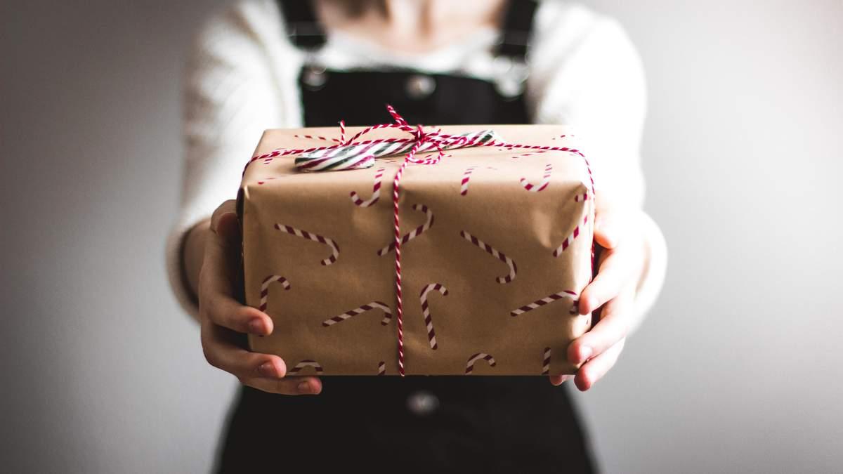 Як упаковуванням не зіпсувати враження про подарунок