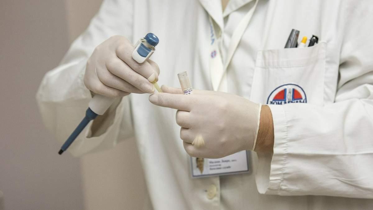 Когда нужно идти к врачу эндокринологу – что лечит эндокринолог