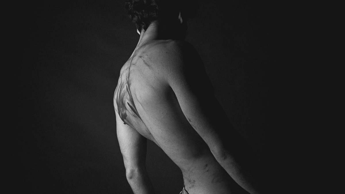 Біль в попереку – справа, біль після сну: причини, як позбутися