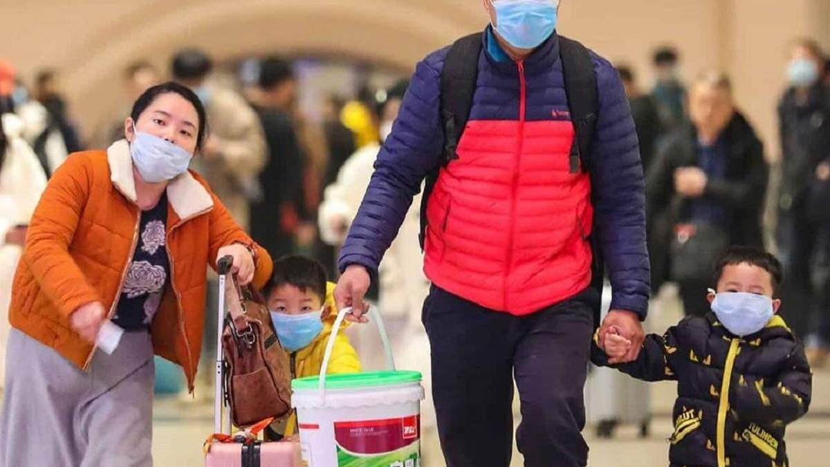 У Шанхаї дезінфікують цілі райони через спалах смертельної пневмонії: з'явилося відео