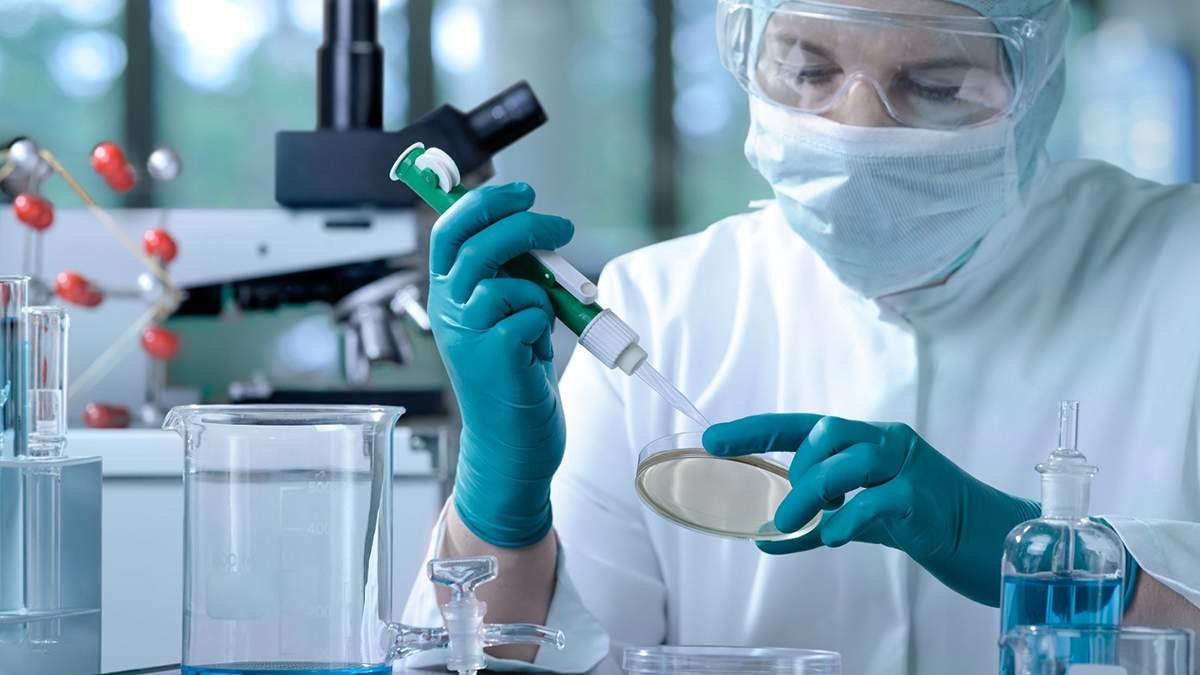 Объявления о продаже вакцины от коронавируса являются ложными