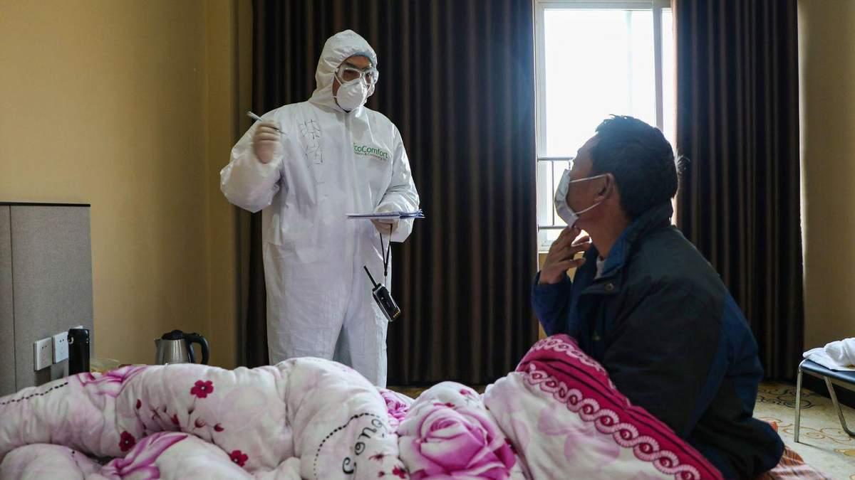 У врача, которого хотели арестовать за первые сообщения о коронавирусе, диагностировали вирус