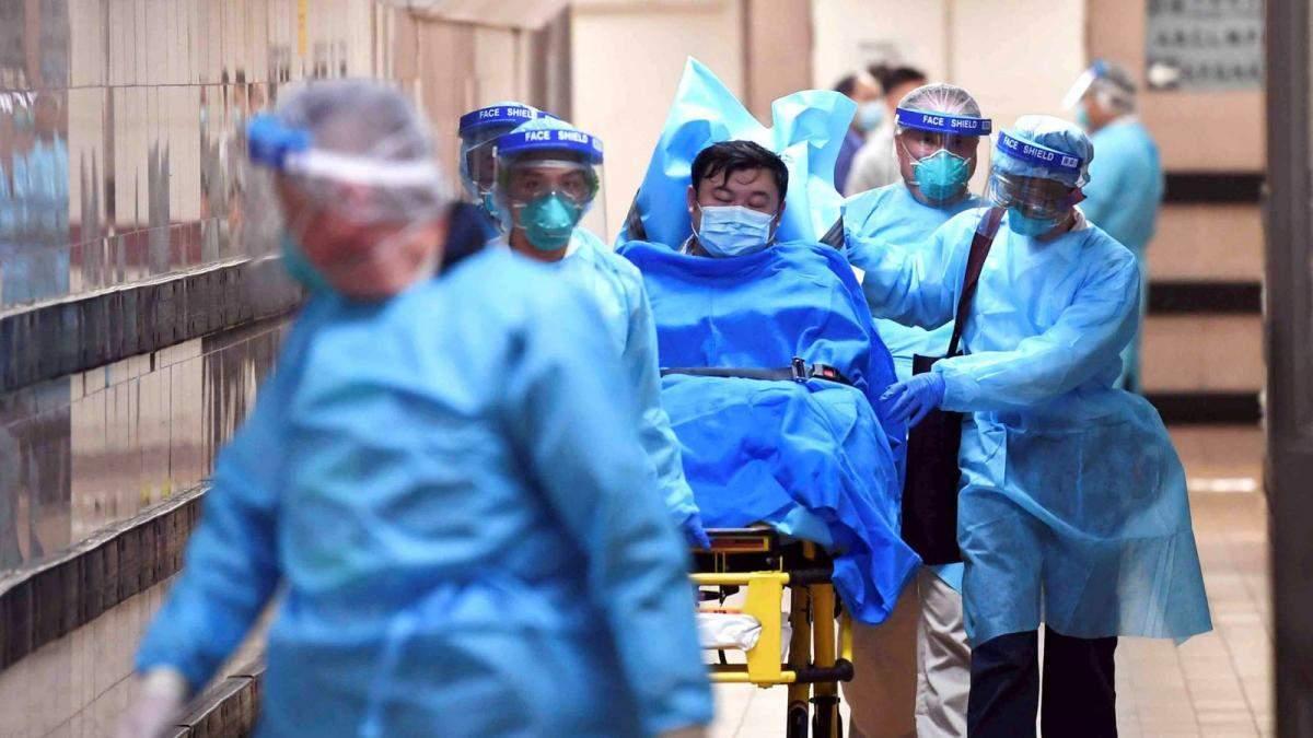 В Українаі ще двох людей перевіряють на коронавірус