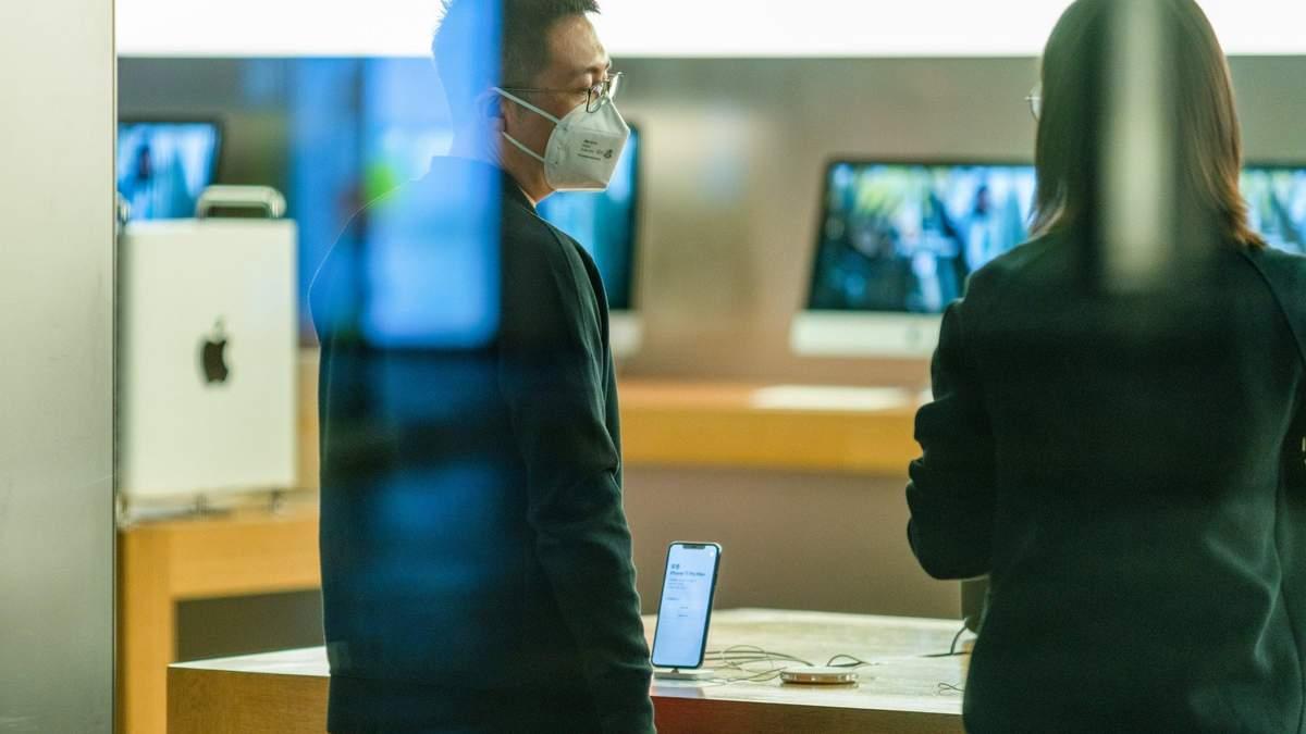 Американець помер від китайського коронавірусу в Ухані