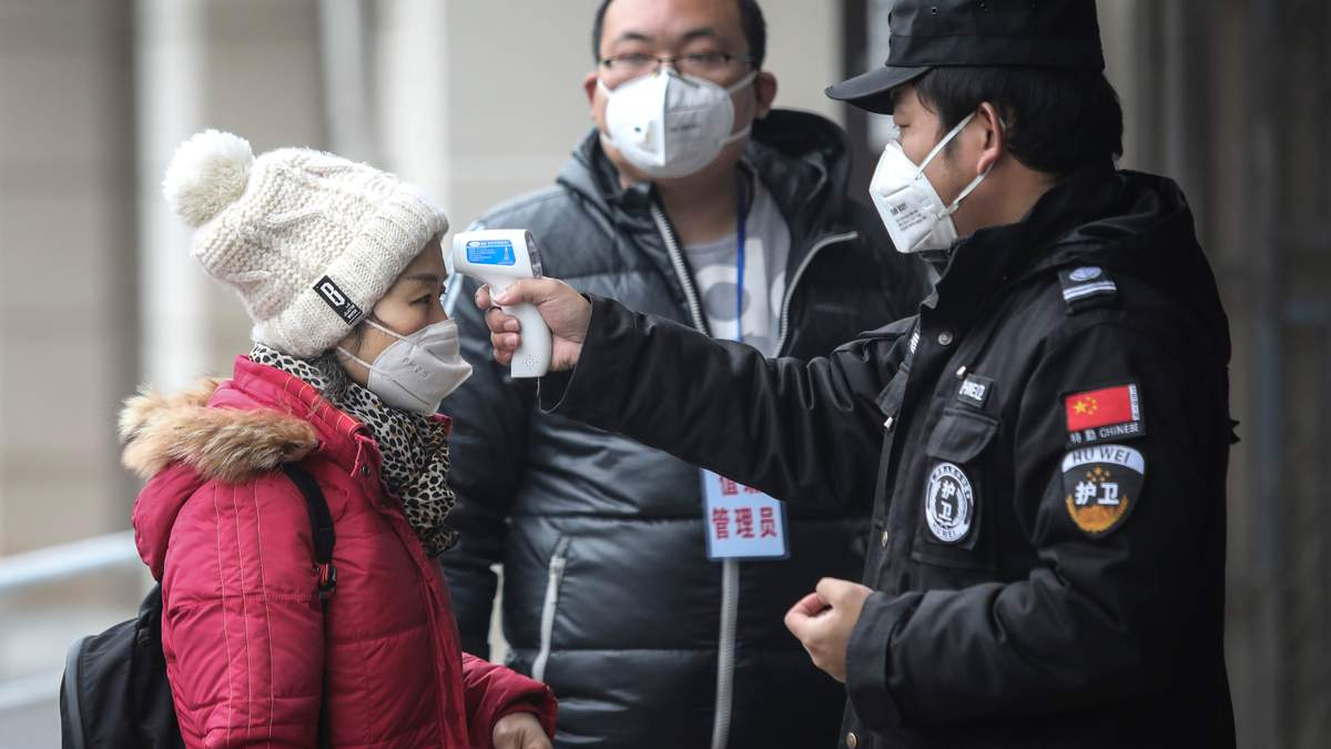 Через загрозу коронавірусу ЄС скликає термінову нараду