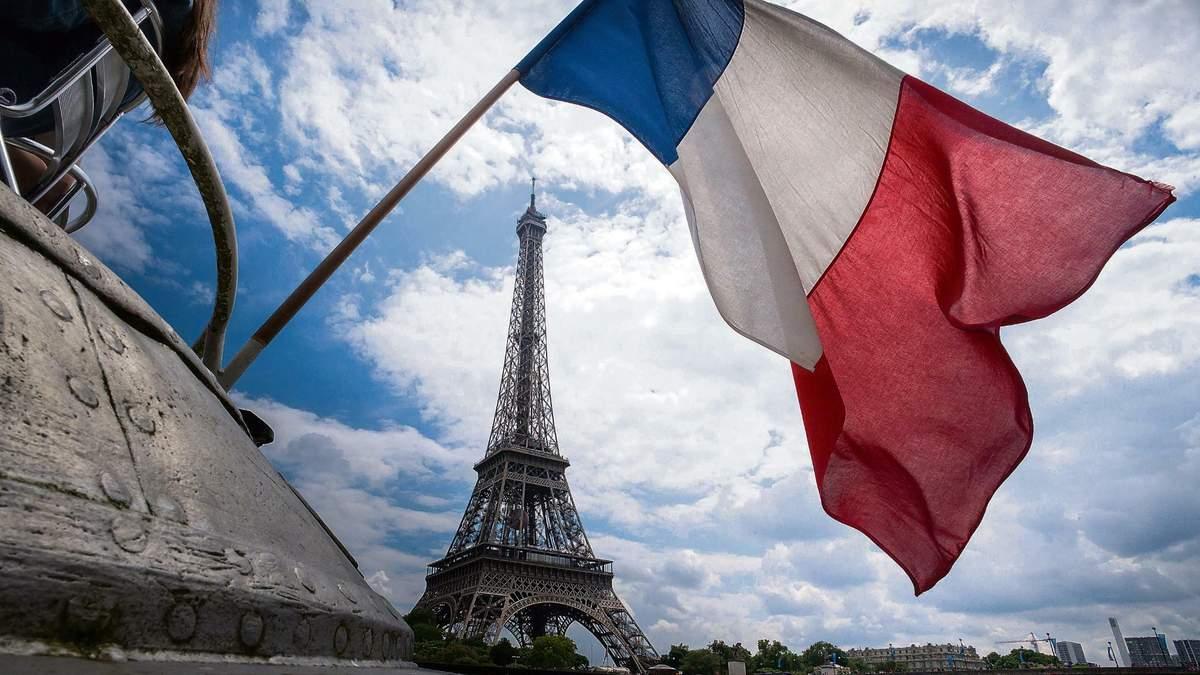 У Франції від китайського коронавірусу померла перша людина