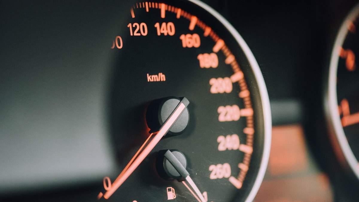 Секс в авто: що варто знати та які пози найзручніші