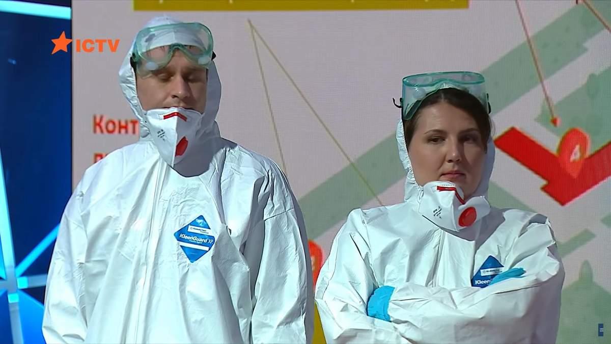 Аваков показав захисні костюми персоналу, який евакуюватиме українців та розповів деталі
