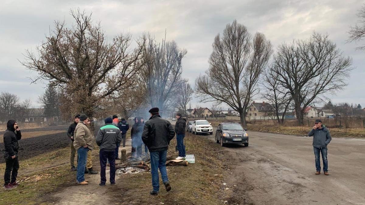 Евакуація українців з Китаю: на Тернопільщині вже будують блокпости: відео