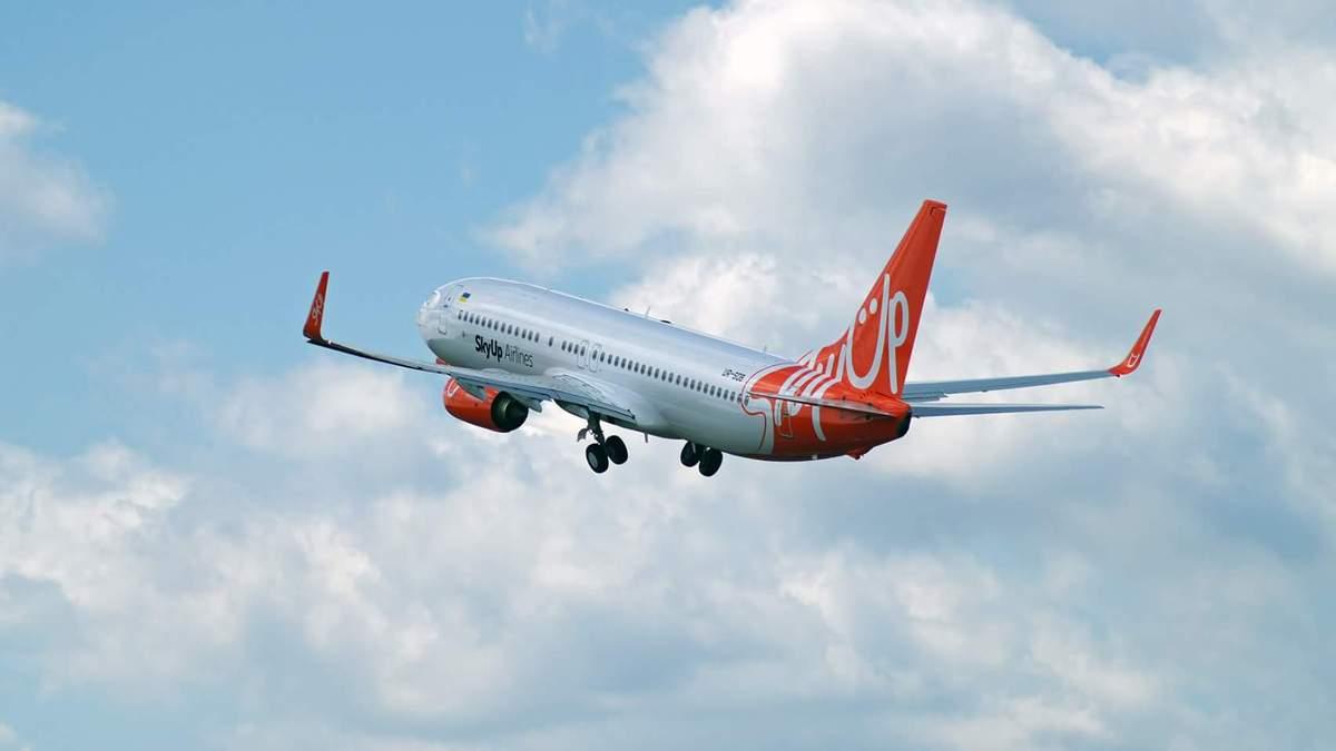Самолет с эвакуированными украинцами вылетел из китайского Уханя