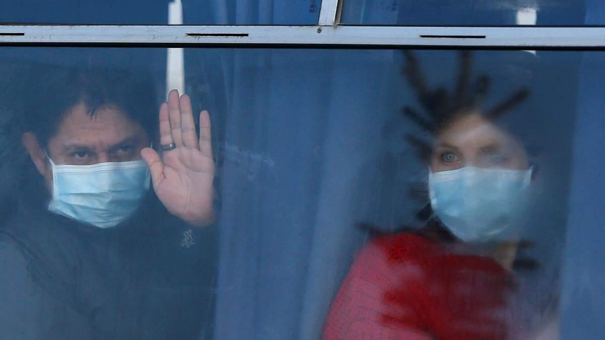 """""""Ни в одной стране мира такого не было"""": МОЗ о реакции населения в Новых Санжарах"""