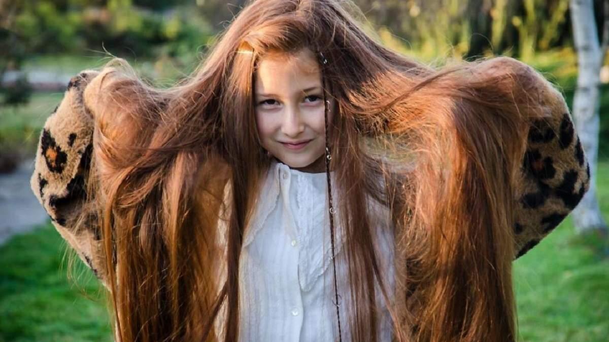 10-річна українка пожертвувала своє волосся для хворої дитини: фото