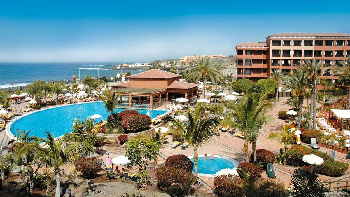 На Тенеріфе закрили готель через італійського туриста, хворого на коронавірус