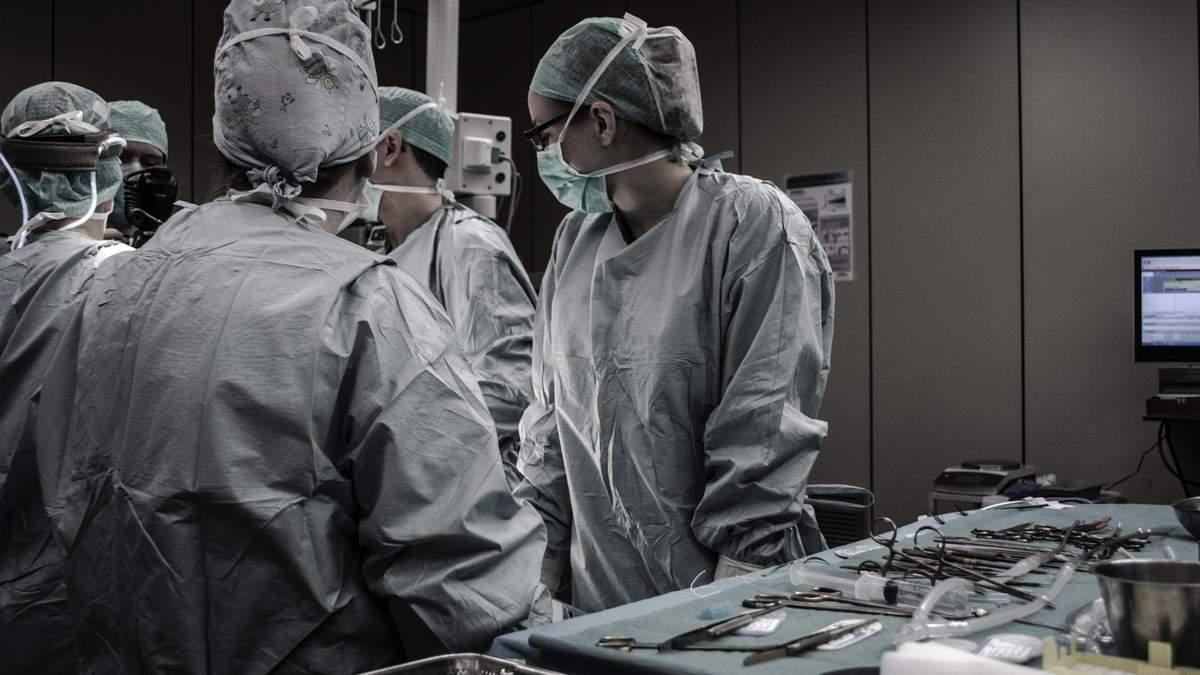 МОЗ просить відтермінувати операції