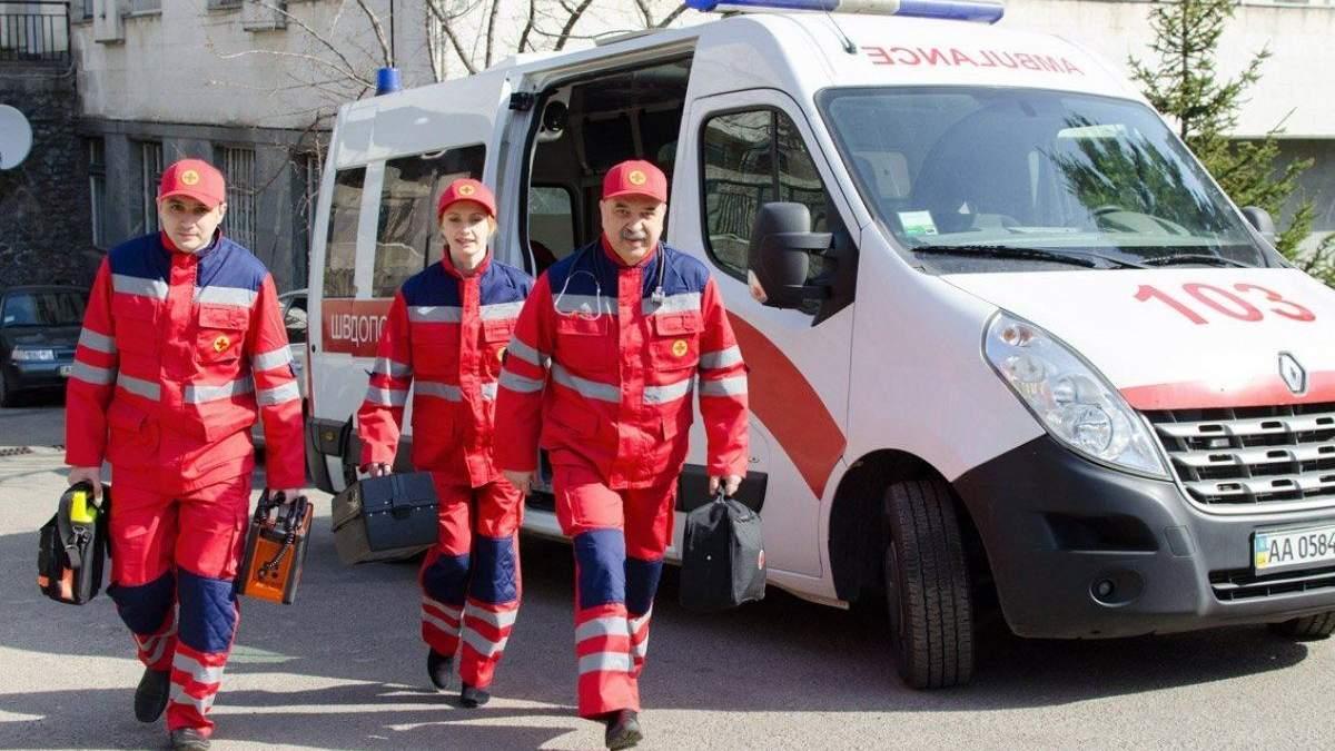 В Тернополе мужчина соврал скорой помощи о коронавирусе