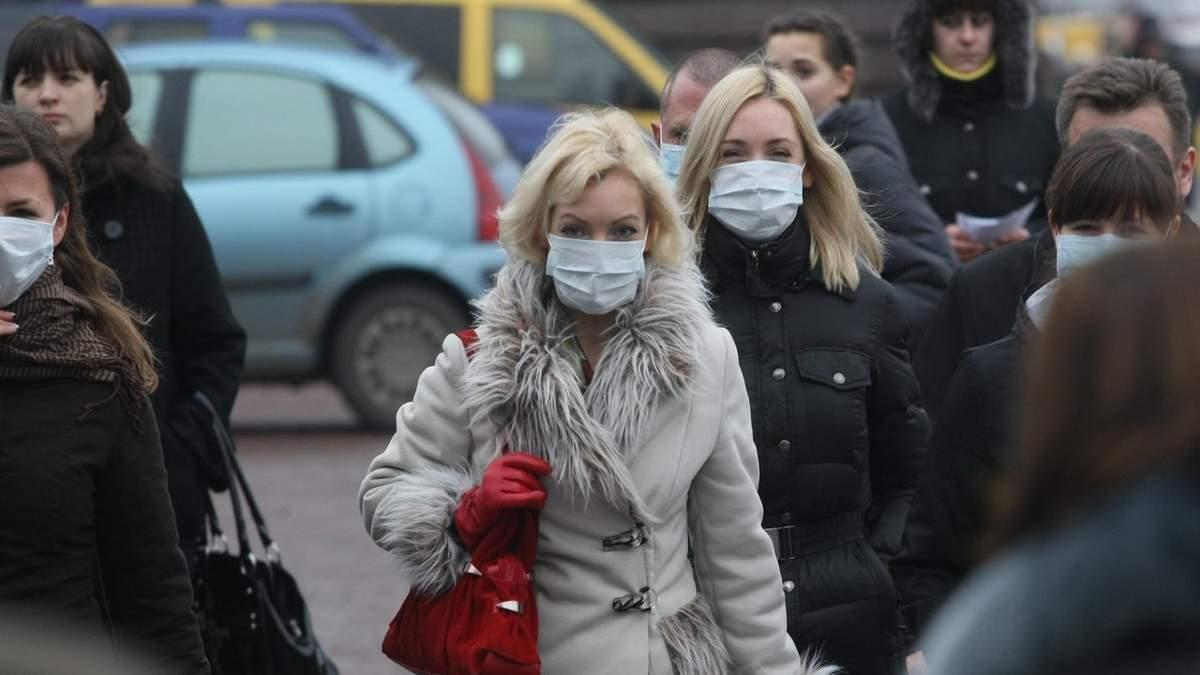 Во Франции массово воруют маски