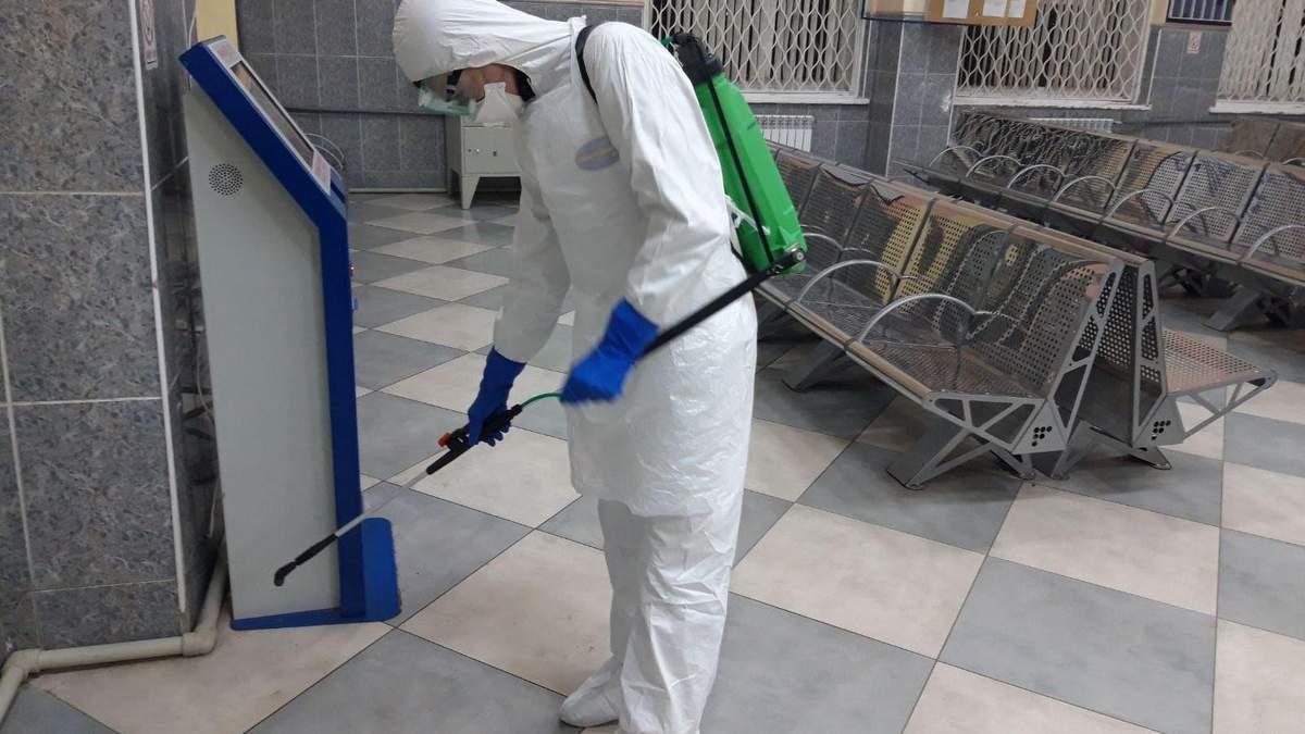Коронавірус у Чернівцях: усі вокзали і станції продезінфікували – фото