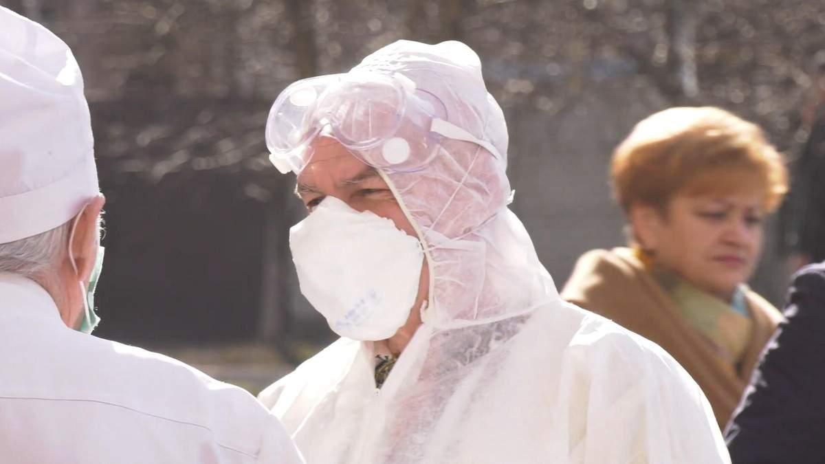 У Харкові імітували спалах коронавірусу: фото та відео навчань у лікарні