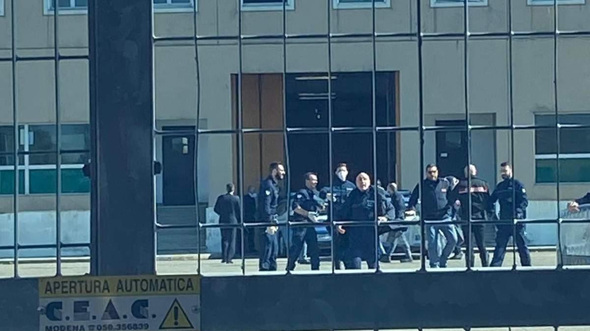В Италии в тюрьмах бунты из-за мер против коронавируса